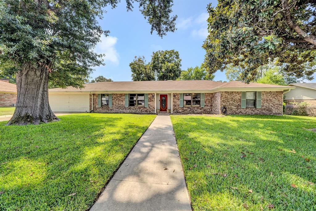 210 Molly  Lane, Mineola, Texas 75773 - Acquisto Real Estate best frisco realtor Amy Gasperini 1031 exchange expert