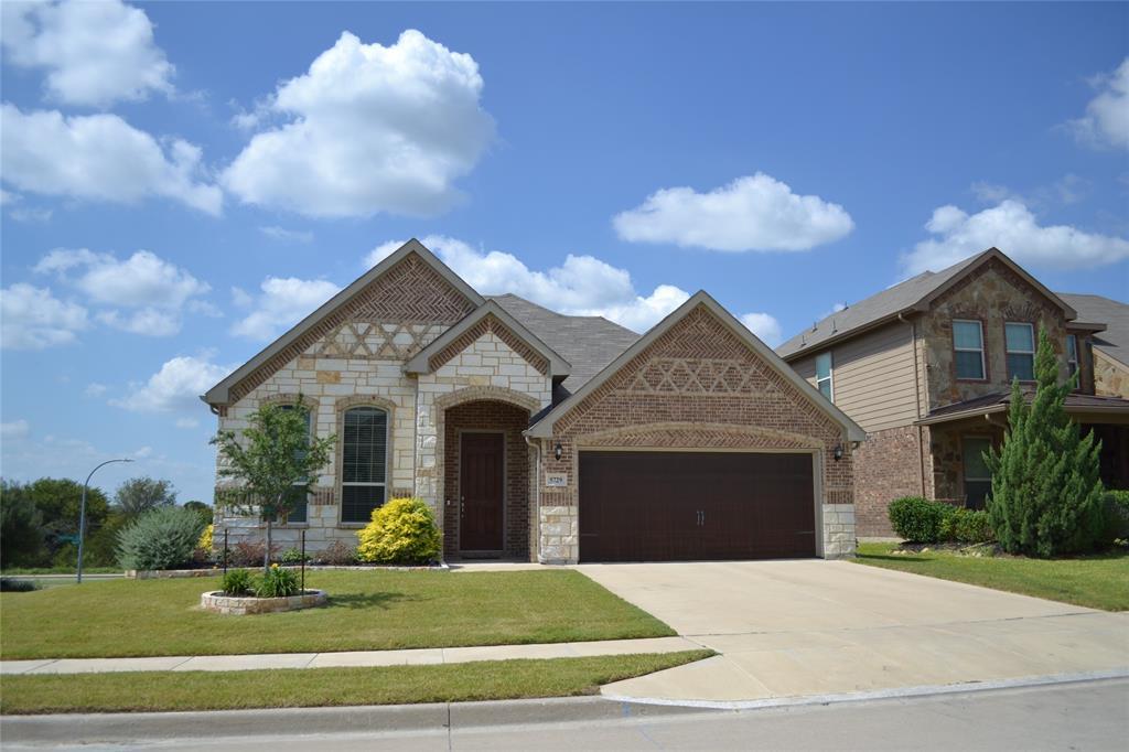5729 Spirit Lake  Drive, Fort Worth, Texas 76179 - Acquisto Real Estate best frisco realtor Amy Gasperini 1031 exchange expert