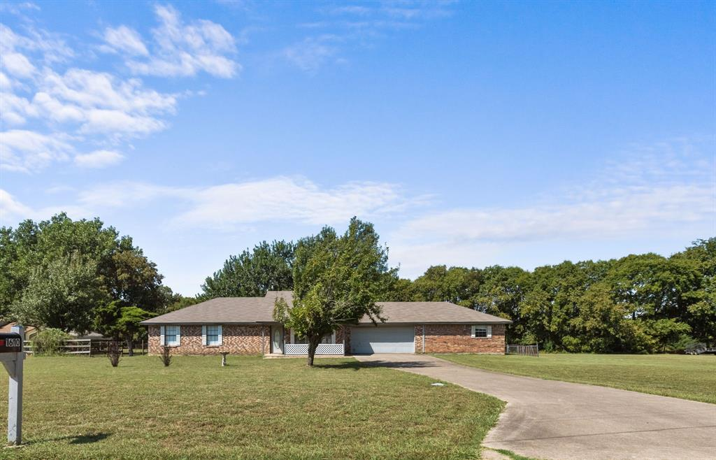 1610 Lake Trails  Circle, Lowry Crossing, Texas 75069 - Acquisto Real Estate best frisco realtor Amy Gasperini 1031 exchange expert