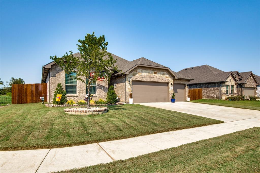 1307 Fox Hollow  Road, Krum, Texas 76249 - Acquisto Real Estate best frisco realtor Amy Gasperini 1031 exchange expert