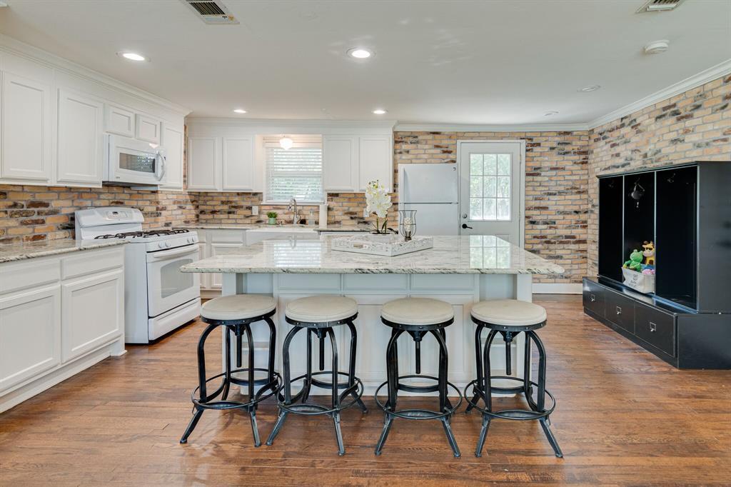 150 College  Street, Keller, Texas 76248 - Acquisto Real Estate best frisco realtor Amy Gasperini 1031 exchange expert