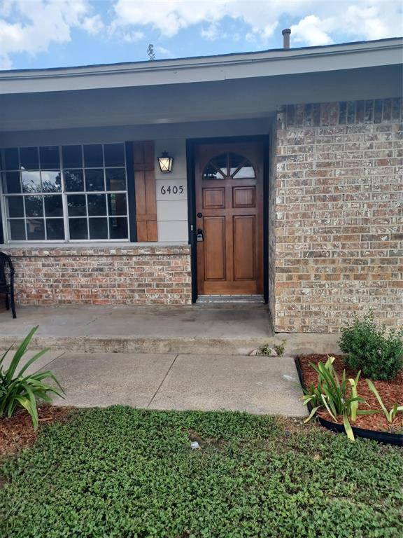 6405 Saddle Horse  Lane, Forest Hill, Texas 76119 - Acquisto Real Estate best frisco realtor Amy Gasperini 1031 exchange expert