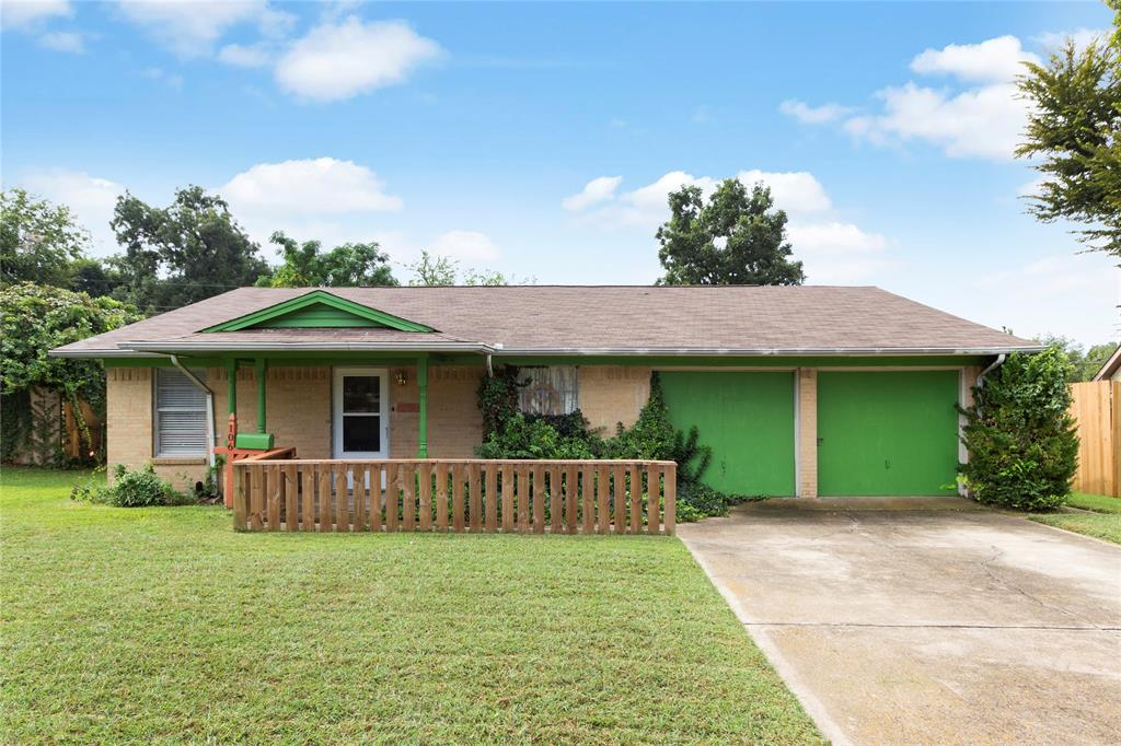 106 Kenwood  Drive, Garland, Texas 75041 - Acquisto Real Estate best frisco realtor Amy Gasperini 1031 exchange expert