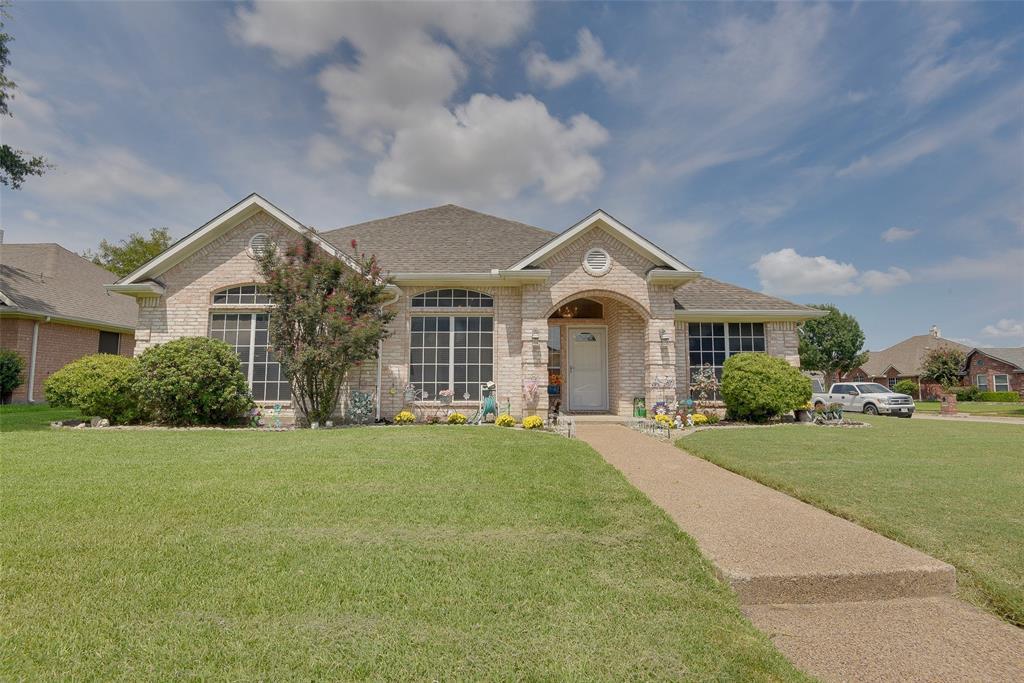 4901 Maple Shade  Avenue, Sachse, Texas 75048 - Acquisto Real Estate best frisco realtor Amy Gasperini 1031 exchange expert