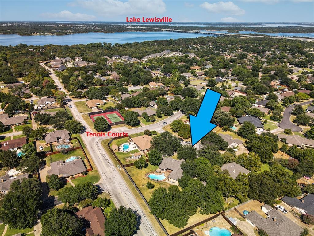 302 Bluff  Circle, Highland Village, Texas 75077 - Acquisto Real Estate best frisco realtor Amy Gasperini 1031 exchange expert