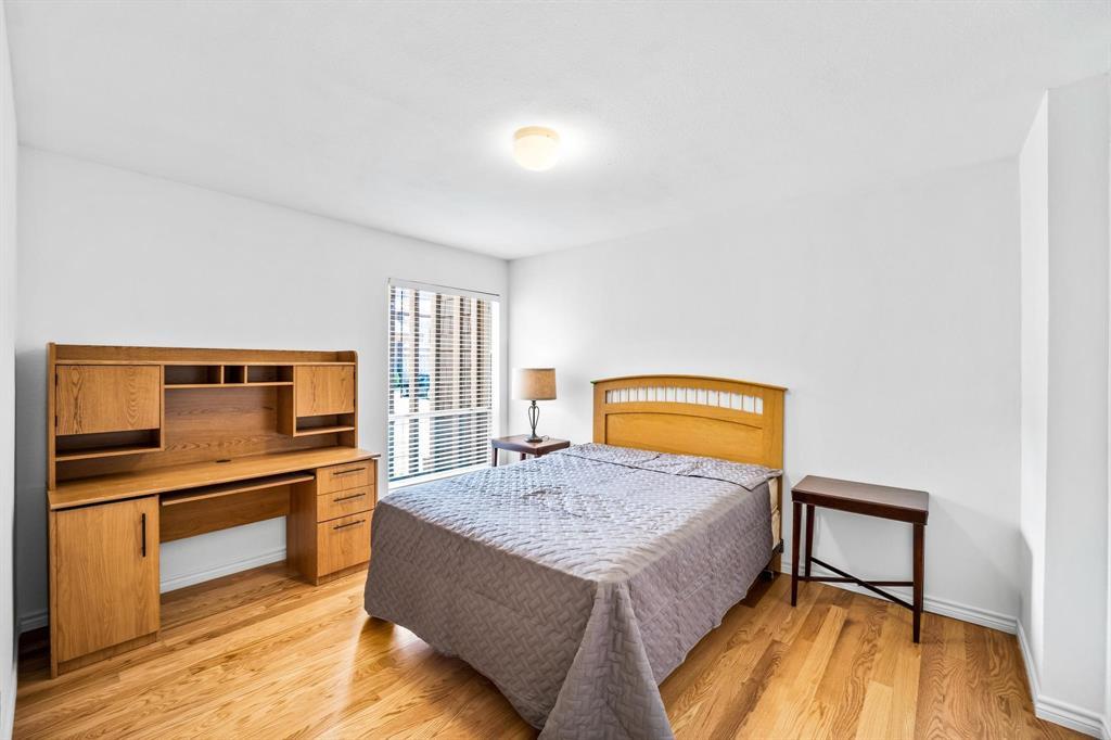 5136 Amesbury  Drive, Dallas, Texas 75206 - Acquisto Real Estate best frisco realtor Amy Gasperini 1031 exchange expert