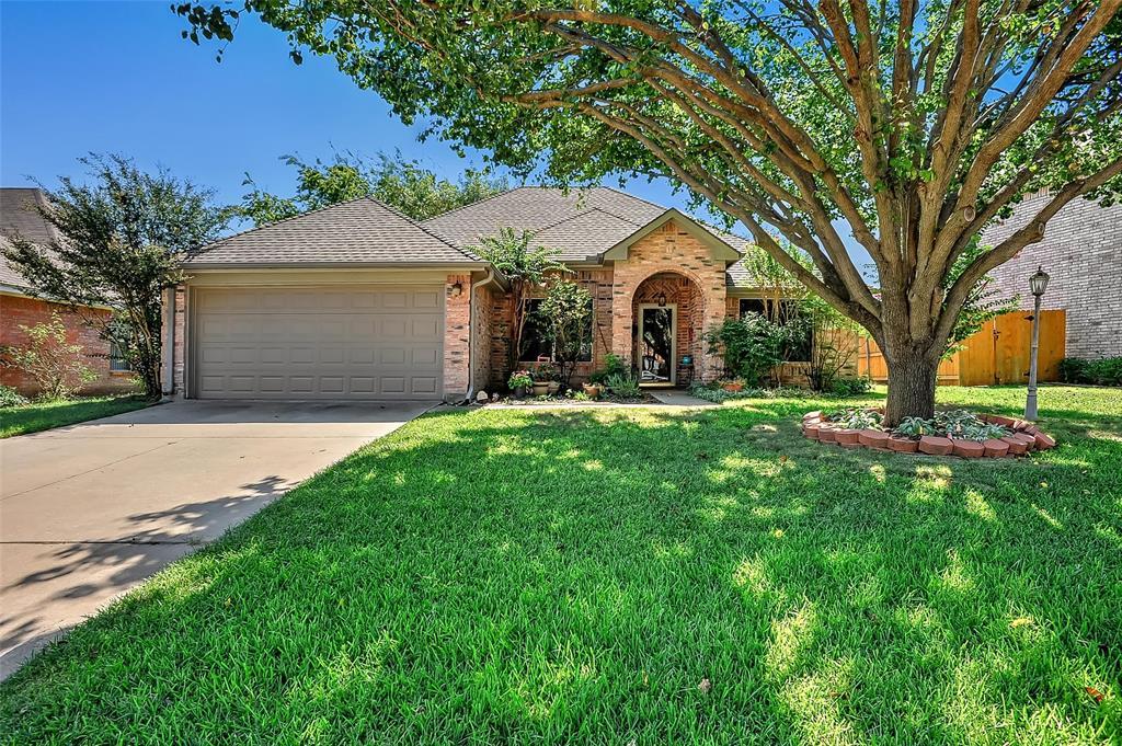 1901 Pebblebrook  Lane, Sherman, Texas 75092 - Acquisto Real Estate best frisco realtor Amy Gasperini 1031 exchange expert