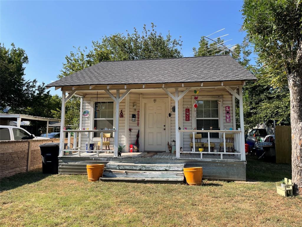 209 Lone Star  Avenue, Cleburne, Texas 76031 - Acquisto Real Estate best frisco realtor Amy Gasperini 1031 exchange expert
