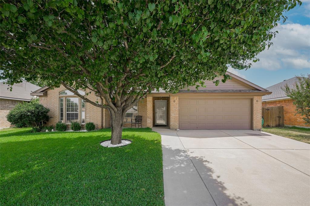 976 Mesa Vista  Drive, Crowley, Texas 76036 - Acquisto Real Estate best frisco realtor Amy Gasperini 1031 exchange expert