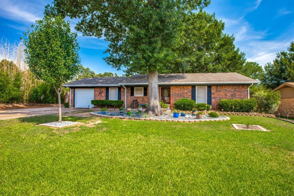 221 Mountain View  Drive, Azle, Texas 76020 - Acquisto Real Estate best frisco realtor Amy Gasperini 1031 exchange expert