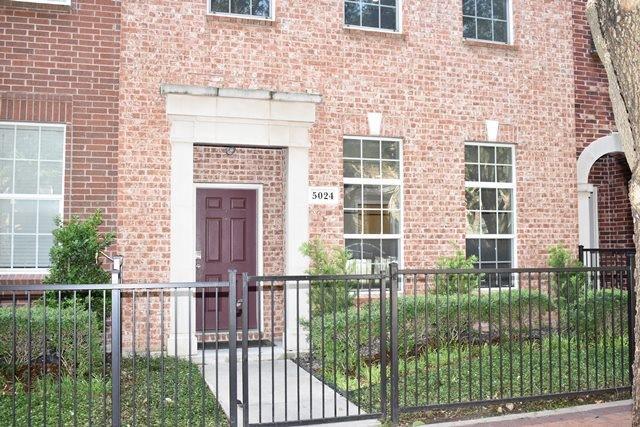 5024 Calloway  Drive, Addison, Texas 75001 - Acquisto Real Estate best frisco realtor Amy Gasperini 1031 exchange expert