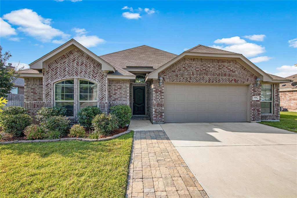 6341 Keyhole  Circle, Lake Worth, Texas 76135 - Acquisto Real Estate best frisco realtor Amy Gasperini 1031 exchange expert