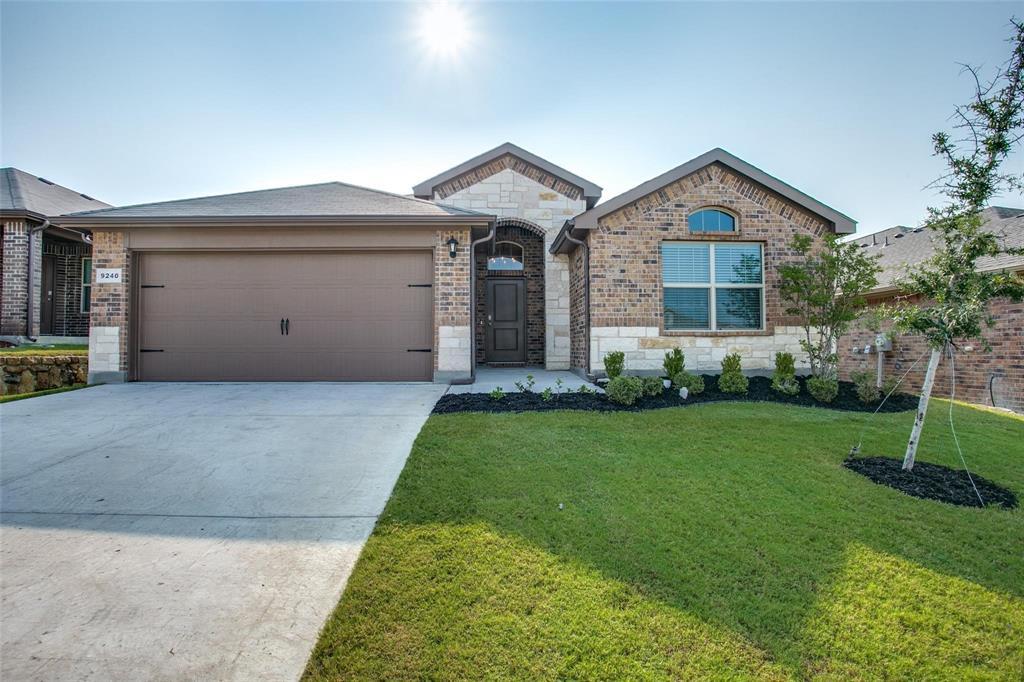 9240 Herringbone  Drive, Fort Worth, Texas 76131 - Acquisto Real Estate best frisco realtor Amy Gasperini 1031 exchange expert