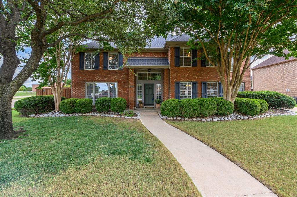 701 Foxmoor  Drive, Highland Village, Texas 75077 - Acquisto Real Estate best frisco realtor Amy Gasperini 1031 exchange expert