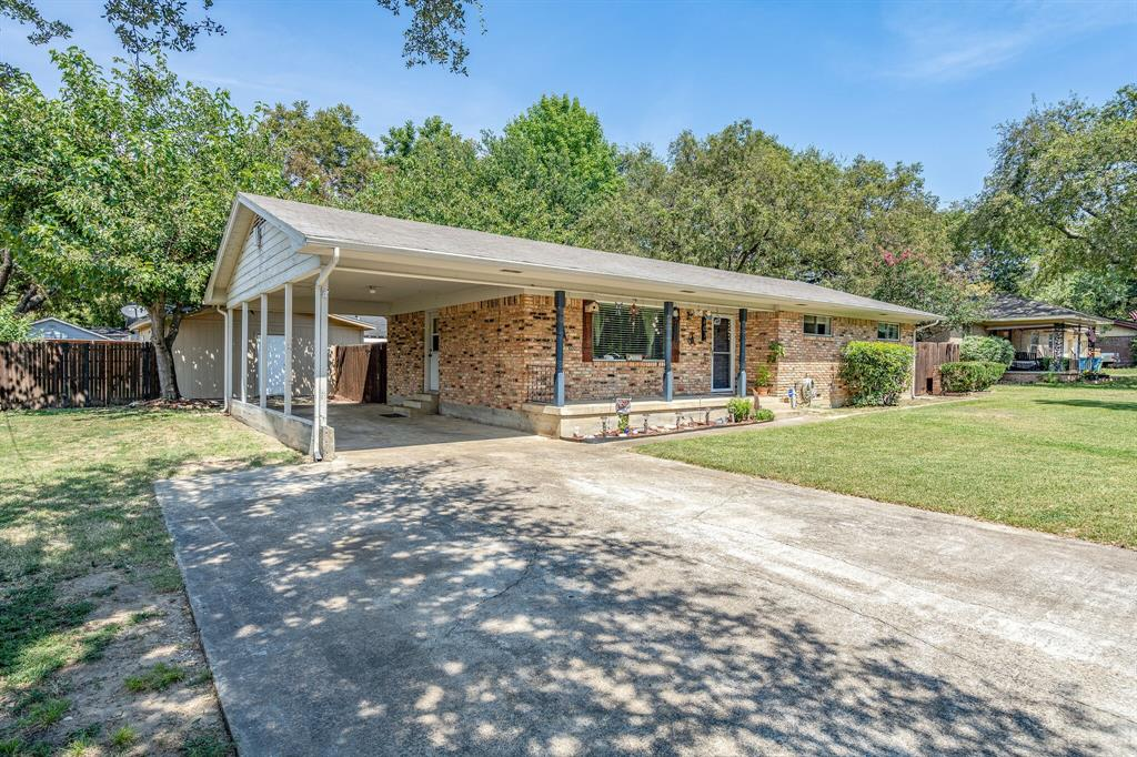 607 Cain  Street, Lake Dallas, Texas 75065 - Acquisto Real Estate best frisco realtor Amy Gasperini 1031 exchange expert