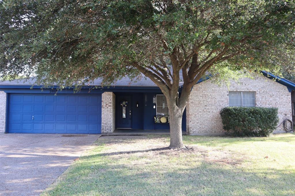 2018 Pebblecreek  Drive, Cleburne, Texas 76033 - Acquisto Real Estate best frisco realtor Amy Gasperini 1031 exchange expert