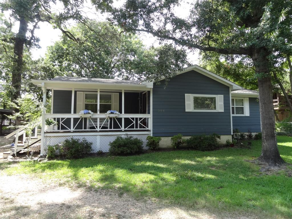 308 Hickory  Drive, Tool, Texas 75143 - Acquisto Real Estate best frisco realtor Amy Gasperini 1031 exchange expert