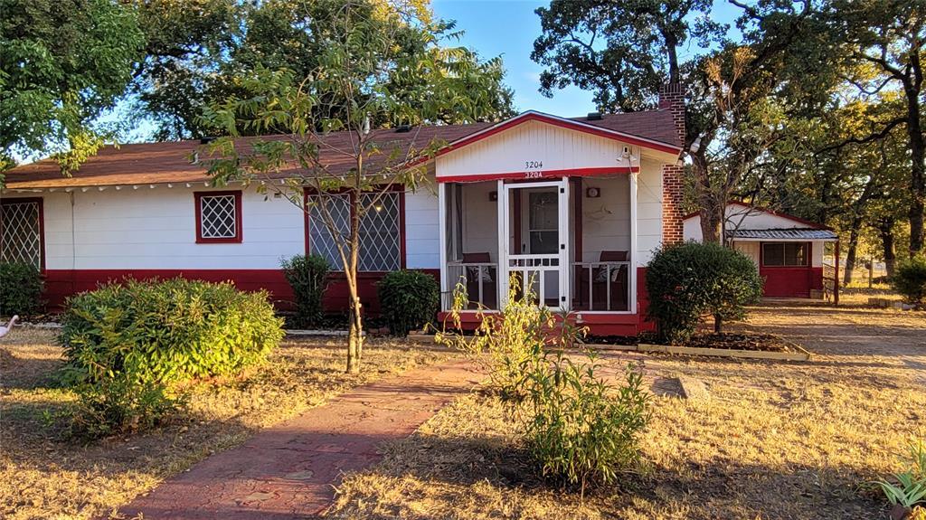 3204 Grayson  Street, Fort Worth, Texas 76119 - Acquisto Real Estate best frisco realtor Amy Gasperini 1031 exchange expert