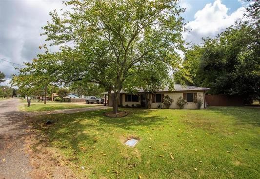 715 Margaret  Street, Blossom, Texas 75416 - Acquisto Real Estate best frisco realtor Amy Gasperini 1031 exchange expert