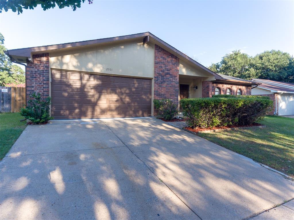 2901 Meadowview  Drive, Arlington, Texas 76016 - Acquisto Real Estate best frisco realtor Amy Gasperini 1031 exchange expert