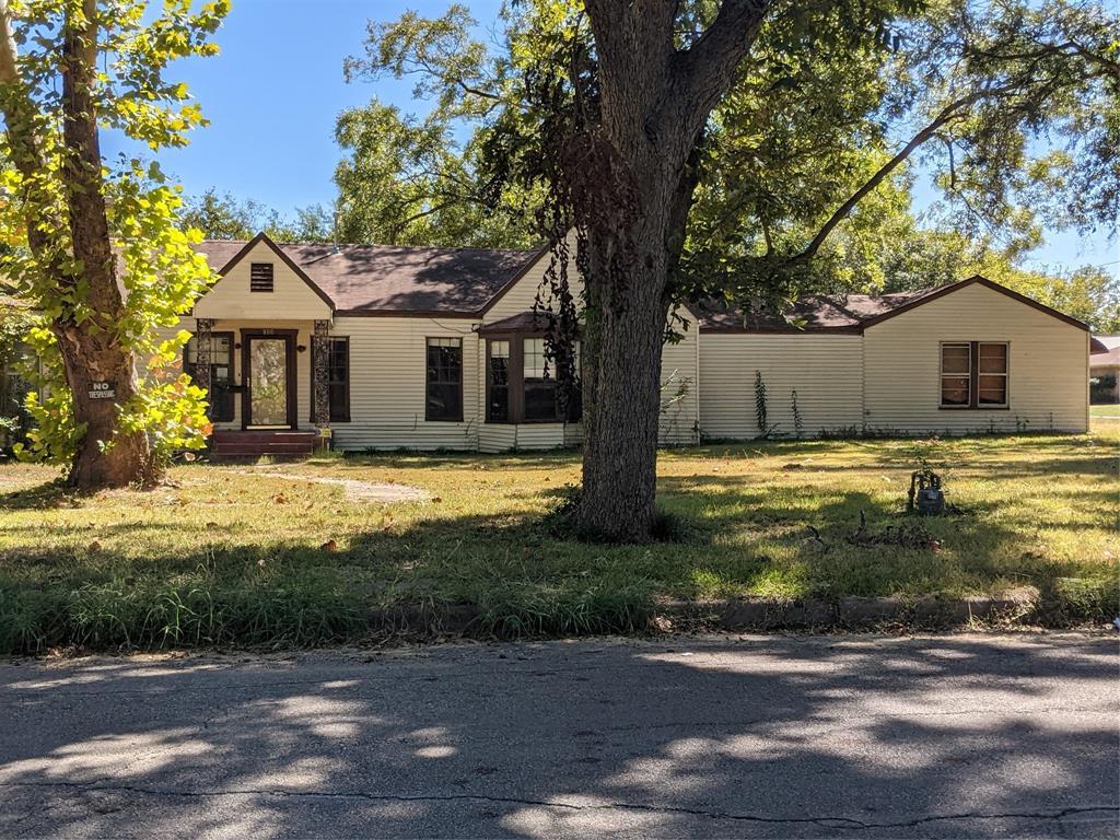 800 Main  Street, Mexia, Texas 76667 - Acquisto Real Estate best frisco realtor Amy Gasperini 1031 exchange expert