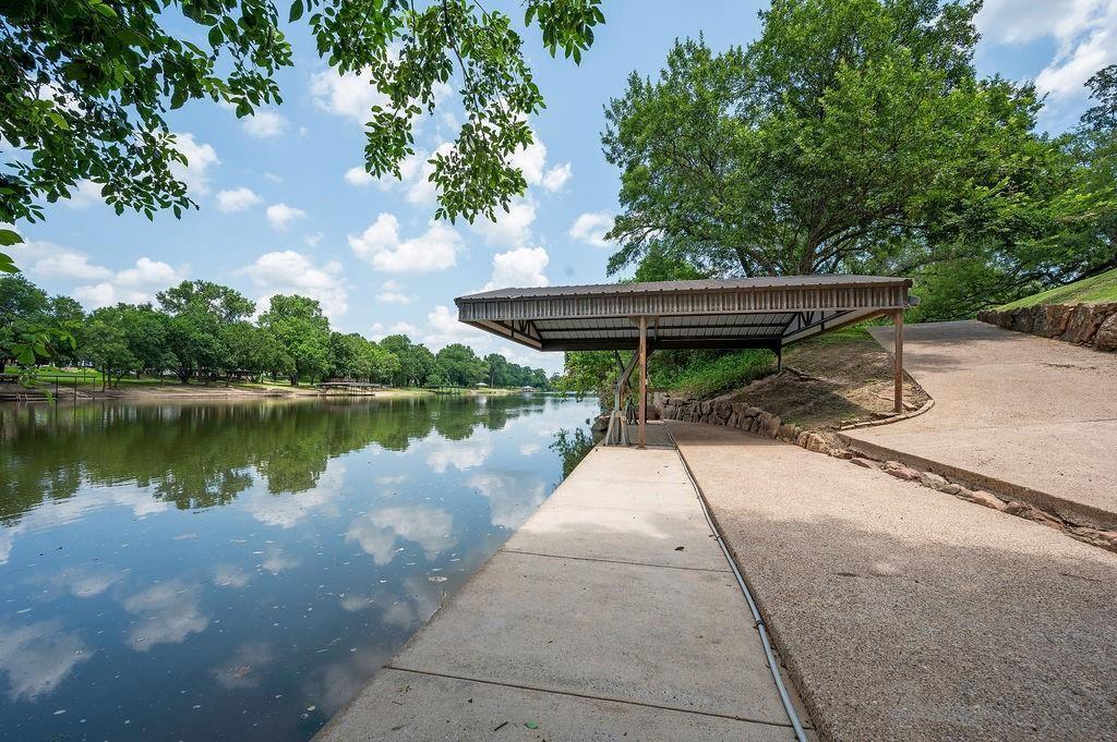 6025 Steinbeck Bend  Drive, Waco, Texas 76708 - Acquisto Real Estate best frisco realtor Amy Gasperini 1031 exchange expert