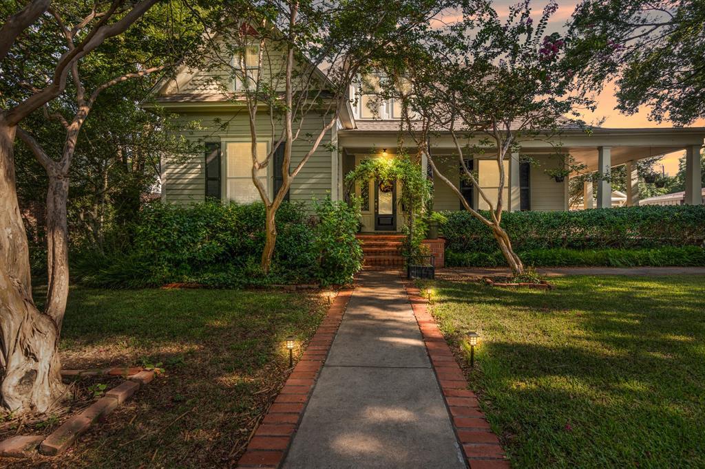 915 Franklin  Street, Hillsboro, Texas 76645 - Acquisto Real Estate best frisco realtor Amy Gasperini 1031 exchange expert