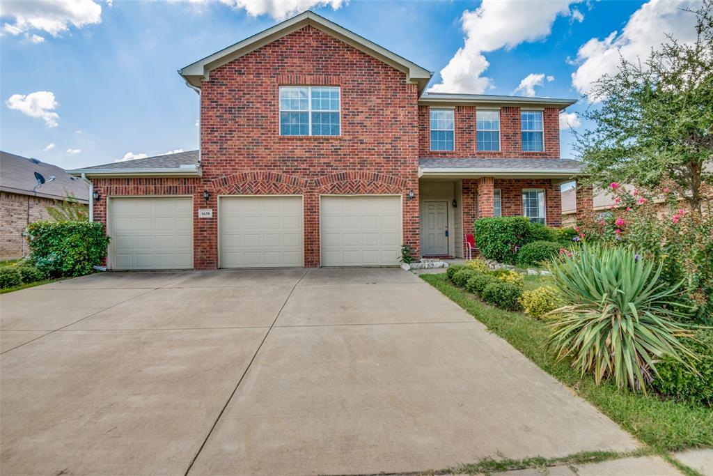 1638 Totem Pole  Way, Krum, Texas 76249 - Acquisto Real Estate best frisco realtor Amy Gasperini 1031 exchange expert