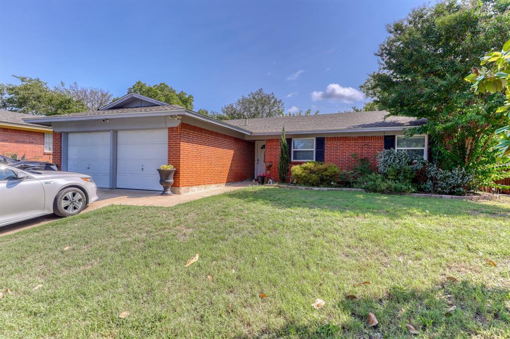 208 Rolling Hills  Drive, Aledo, Texas 76008 - Acquisto Real Estate best frisco realtor Amy Gasperini 1031 exchange expert