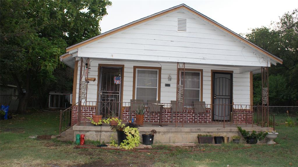 1117 Roberts Cut Off  Road, River Oaks, Texas 76114 - Acquisto Real Estate best frisco realtor Amy Gasperini 1031 exchange expert