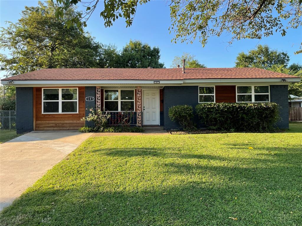 1301 Sierra  Drive, Mesquite, Texas 75149 - Acquisto Real Estate best frisco realtor Amy Gasperini 1031 exchange expert