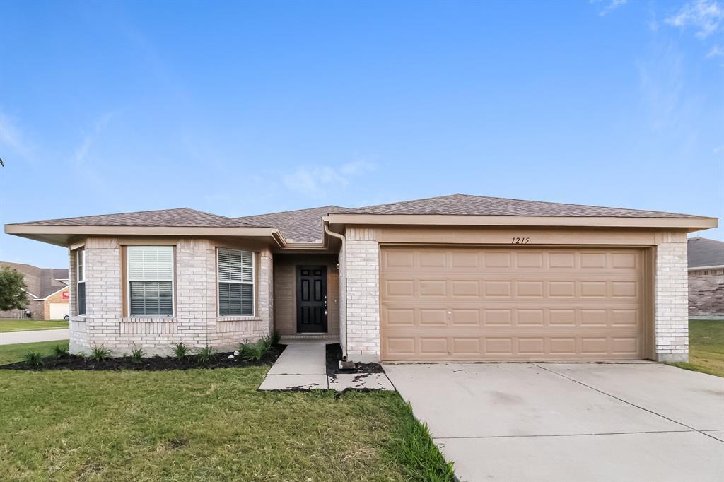 1215 Wenatchee  Drive, Krum, Texas 76249 - Acquisto Real Estate best frisco realtor Amy Gasperini 1031 exchange expert