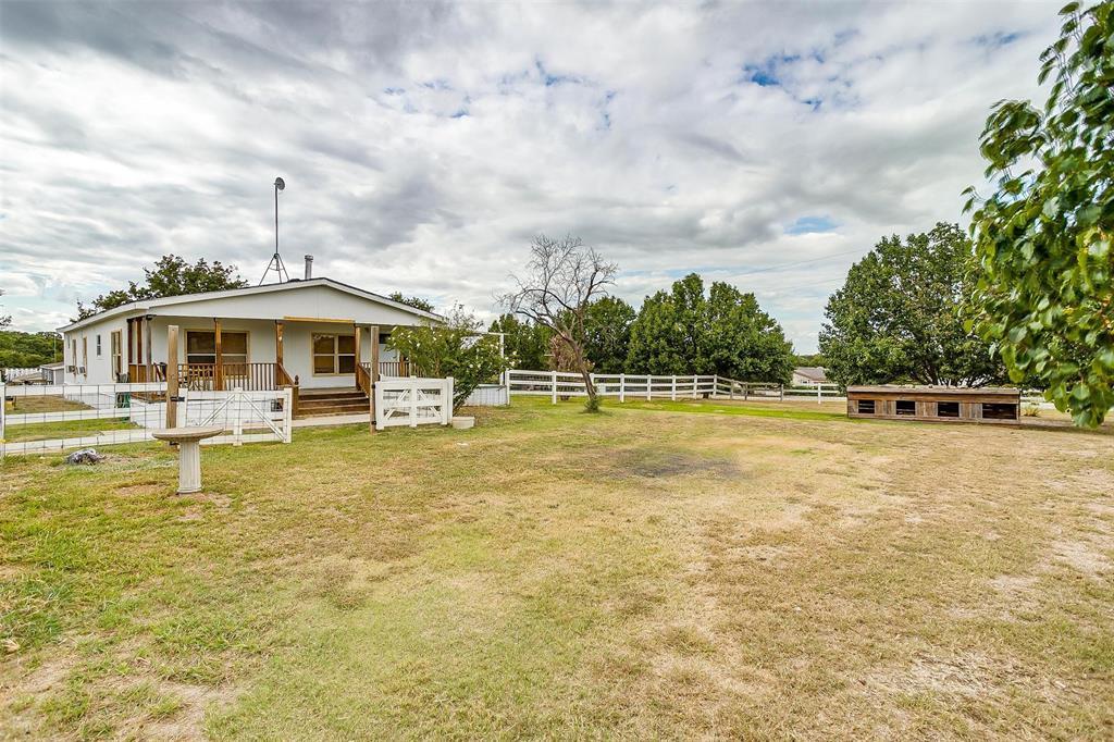 176 Cedar  Drive, Azle, Texas 76020 - Acquisto Real Estate best frisco realtor Amy Gasperini 1031 exchange expert