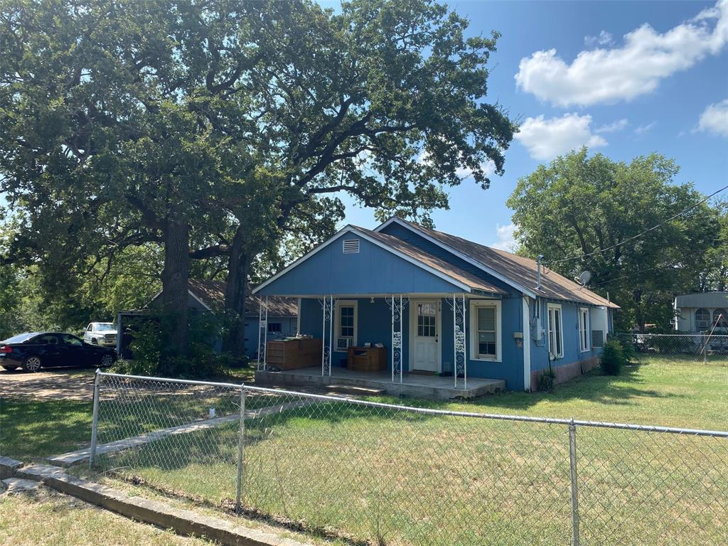 310 Elm  Street, Tolar, Texas 76746 - Acquisto Real Estate best frisco realtor Amy Gasperini 1031 exchange expert