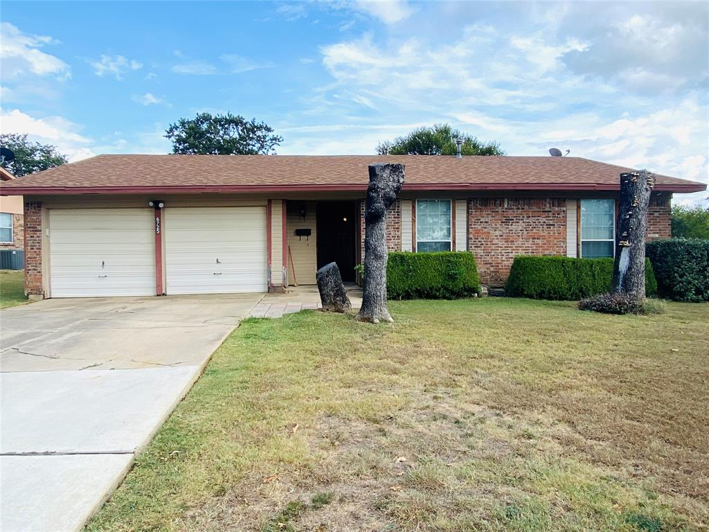 6725 Trailwood  Drive, Forest Hill, Texas 76140 - Acquisto Real Estate best frisco realtor Amy Gasperini 1031 exchange expert