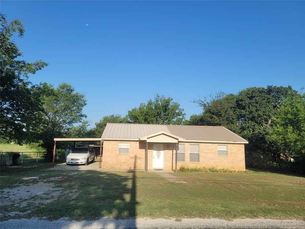 606 Hubbard  Street, Alvord, Texas 76225 - Acquisto Real Estate best frisco realtor Amy Gasperini 1031 exchange expert