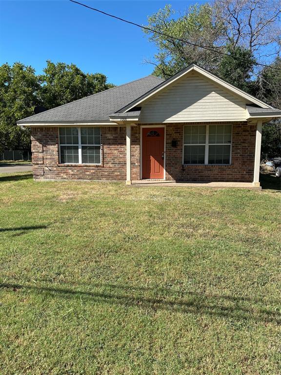 1000 La Vega  Street, Bellmead, Texas 76705 - Acquisto Real Estate best frisco realtor Amy Gasperini 1031 exchange expert