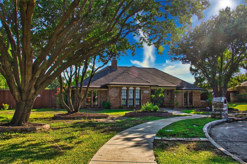 2224 Palos Verdes  Place, Carrollton, Texas 75006 - Acquisto Real Estate best frisco realtor Amy Gasperini 1031 exchange expert