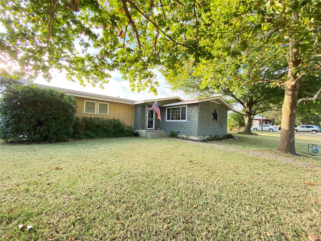 510 Hall  Street, Hamilton, Texas 76531 - Acquisto Real Estate best frisco realtor Amy Gasperini 1031 exchange expert