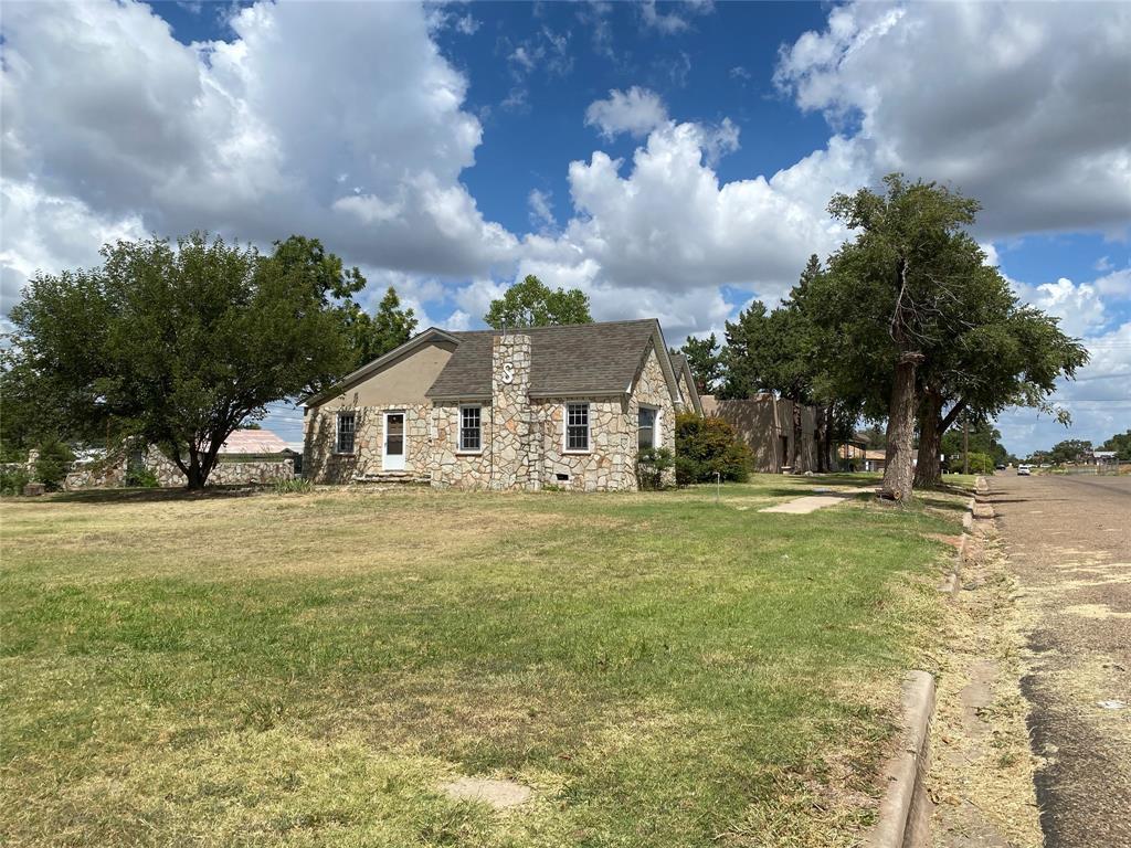 307 Wall  Street, Shamrock, Texas 79079 - Acquisto Real Estate best frisco realtor Amy Gasperini 1031 exchange expert