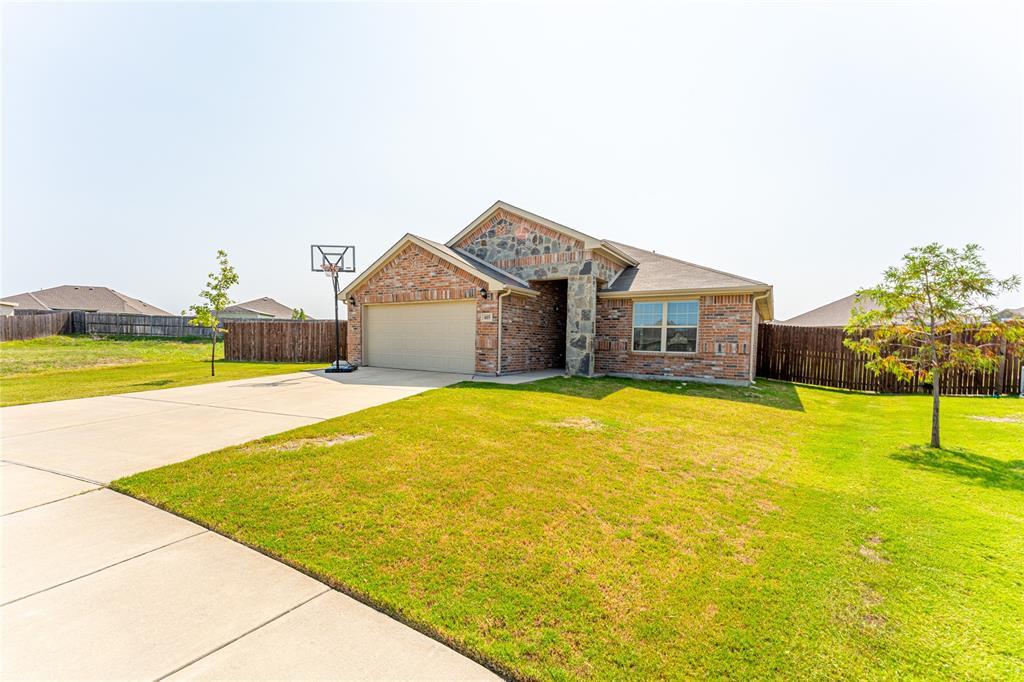 4005 Highplains  Drive, Sanger, Texas 76266 - Acquisto Real Estate best frisco realtor Amy Gasperini 1031 exchange expert