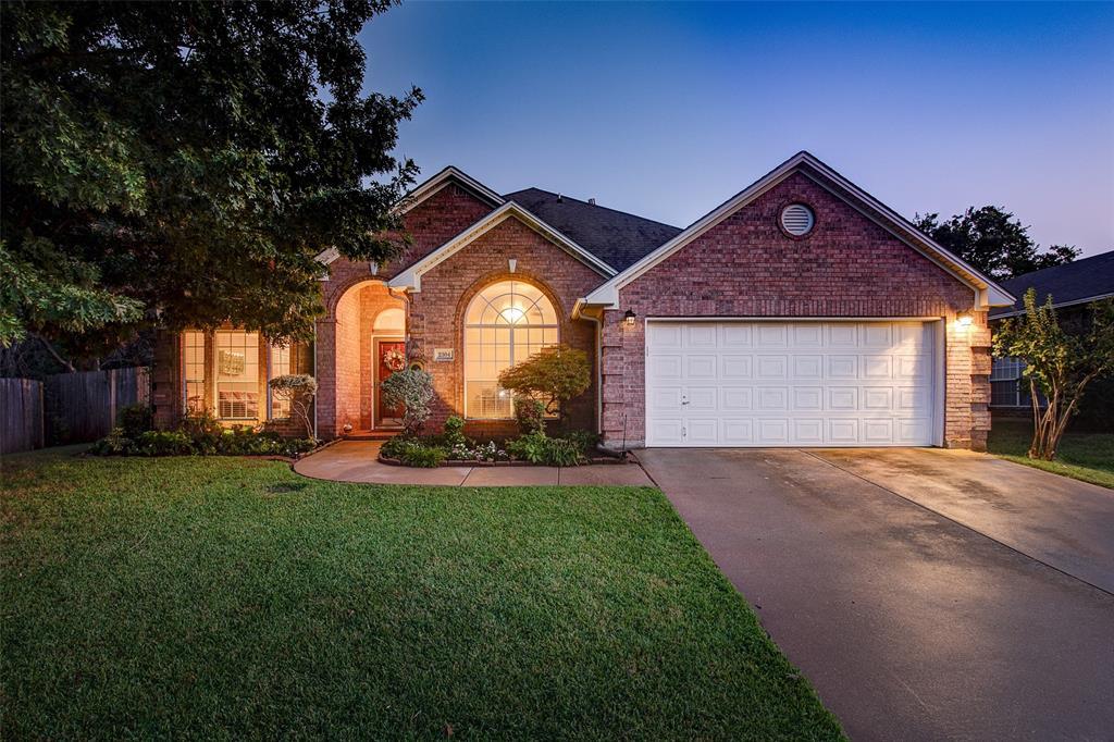 2304 Broken Bough  Lane, Arlington, Texas 76001 - Acquisto Real Estate best frisco realtor Amy Gasperini 1031 exchange expert