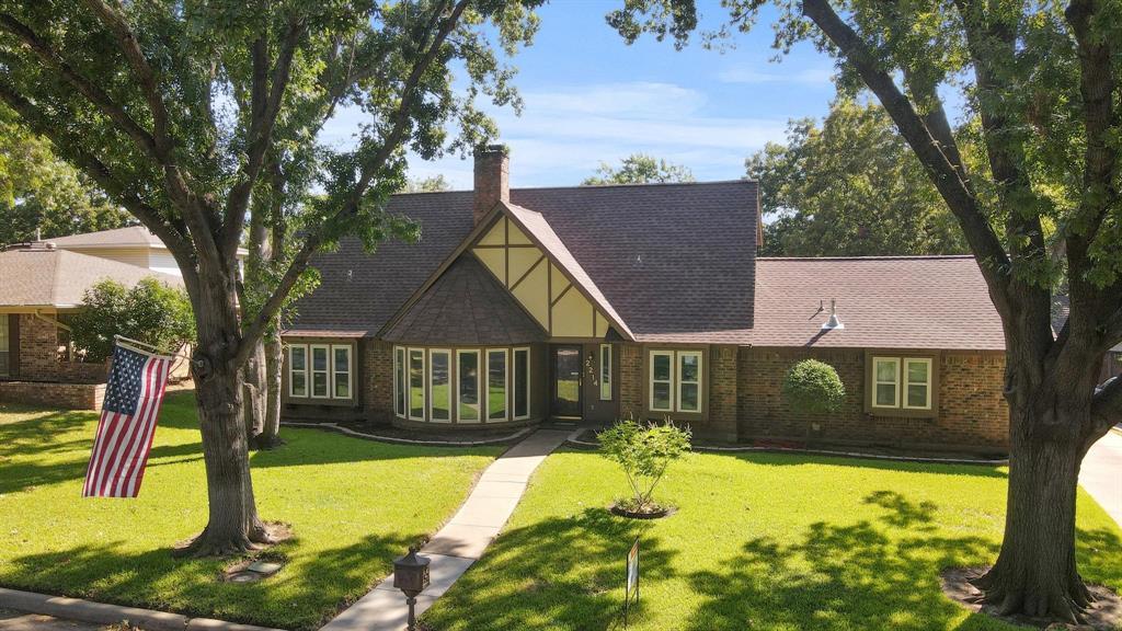 2214 Bishop  Street, Grand Prairie, Texas 75050 - Acquisto Real Estate best frisco realtor Amy Gasperini 1031 exchange expert