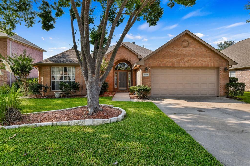1613 Crabapple  Lane, Flower Mound, Texas 75028 - Acquisto Real Estate best frisco realtor Amy Gasperini 1031 exchange expert
