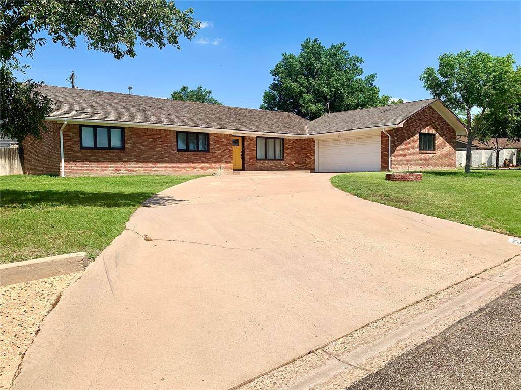 741 Dallas  Avenue, Tulia, Texas 79088 - Acquisto Real Estate best frisco realtor Amy Gasperini 1031 exchange expert