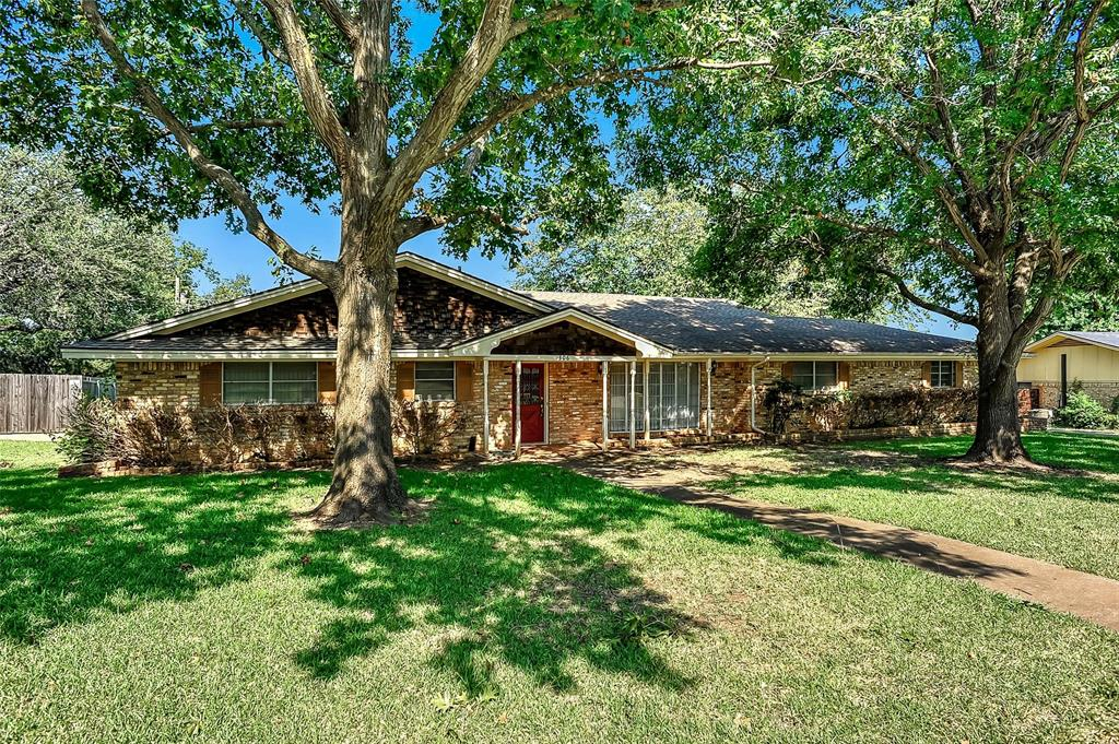 306 Arapaho  Sherman, Texas 75092 - Acquisto Real Estate best frisco realtor Amy Gasperini 1031 exchange expert
