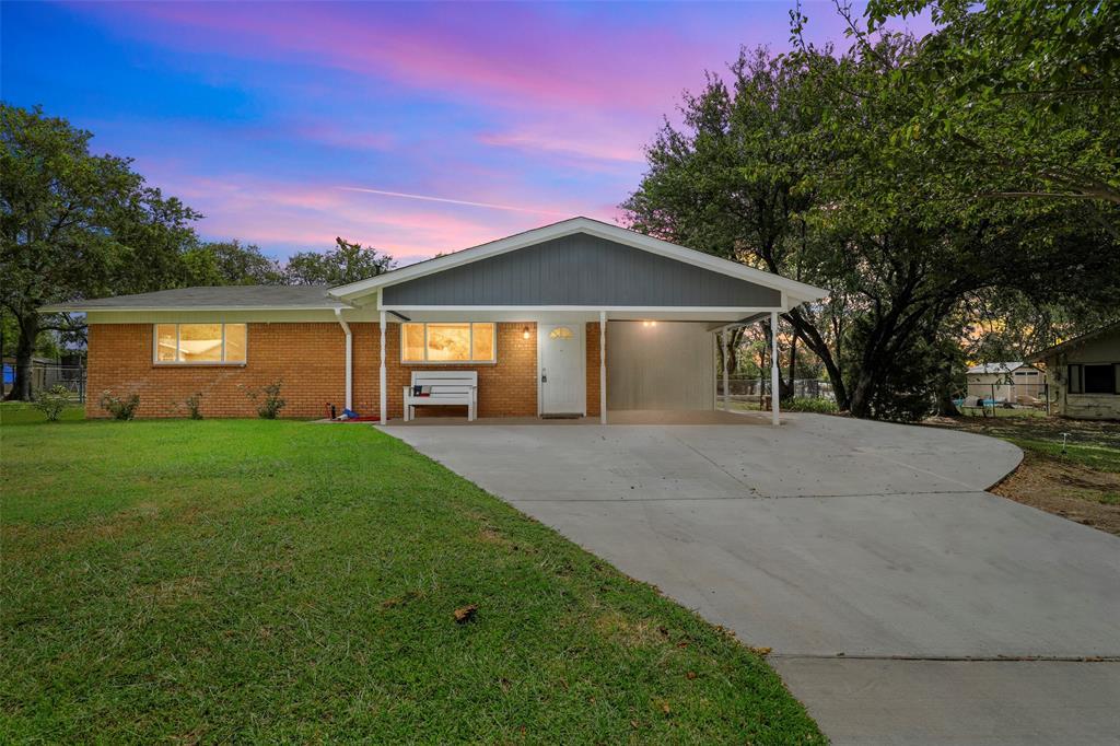 6709 Wallis  Road, Lake Worth, Texas 76135 - Acquisto Real Estate best frisco realtor Amy Gasperini 1031 exchange expert