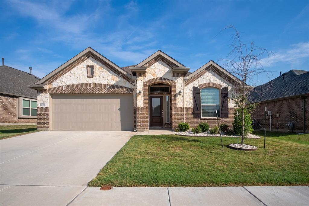 9336 Flying Eagle  Lane, Fort Worth, Texas 76131 - Acquisto Real Estate best frisco realtor Amy Gasperini 1031 exchange expert