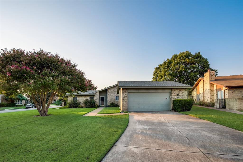 901 Shady Creek  Lane, Bedford, Texas 76021 - Acquisto Real Estate best frisco realtor Amy Gasperini 1031 exchange expert