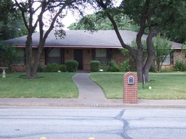 115 Mantlebrook  Drive, DeSoto, Texas 75115 - Acquisto Real Estate best frisco realtor Amy Gasperini 1031 exchange expert